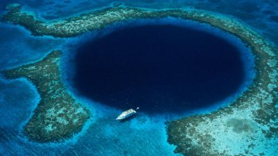 Lubang Misterius dan Spektakuler di Bumi the-great-blue-hole