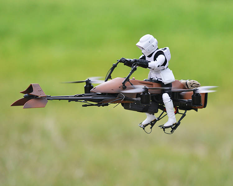 insinyur-google-membuat-remote-control-trooper-dan-speeder-bike-1